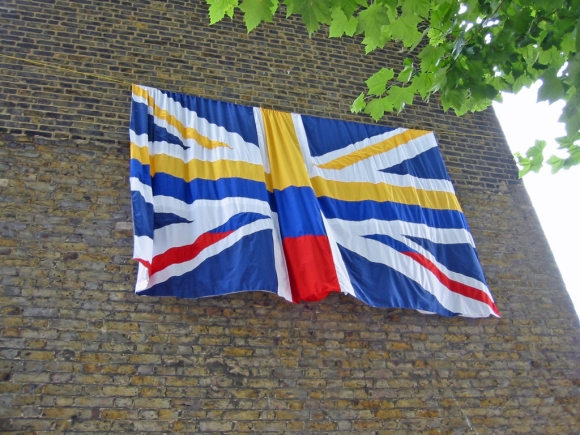 Carolina Caycedo ― UK/Colombian Flag (2002)