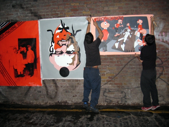 Galeria Chilena installing