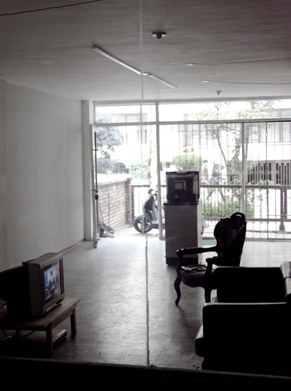 La TV Brilla en la Oscuridad @ LaAgencia