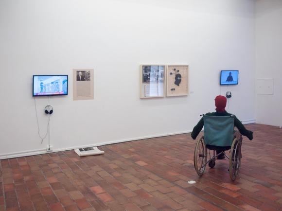 Comando Libre S-11 | El caso Goya (2008) / Jaime Ávila Ferrer | Bestiario. Episodio I (2011) | Hombre infrarrojo (2011) / Leonardo Herrera Madrid | de la serie Terrorista colombiano, pieza # 10 (2007-2013) / Maria Mercedes Salgado | La revolución está de moda (2010)